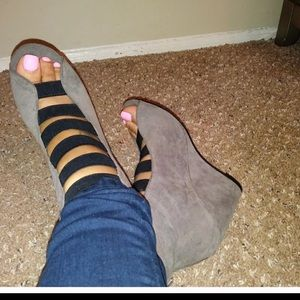 Shoes - Gray wedges